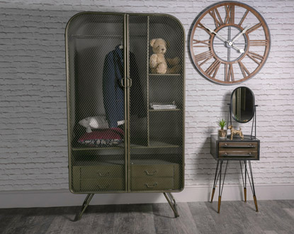 Wardrobes & Closets