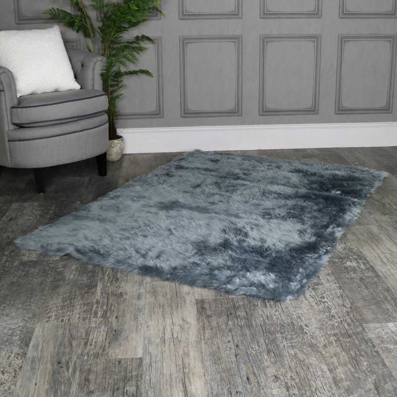 Large Grey Faux Fur Rug 140cm X 200cm