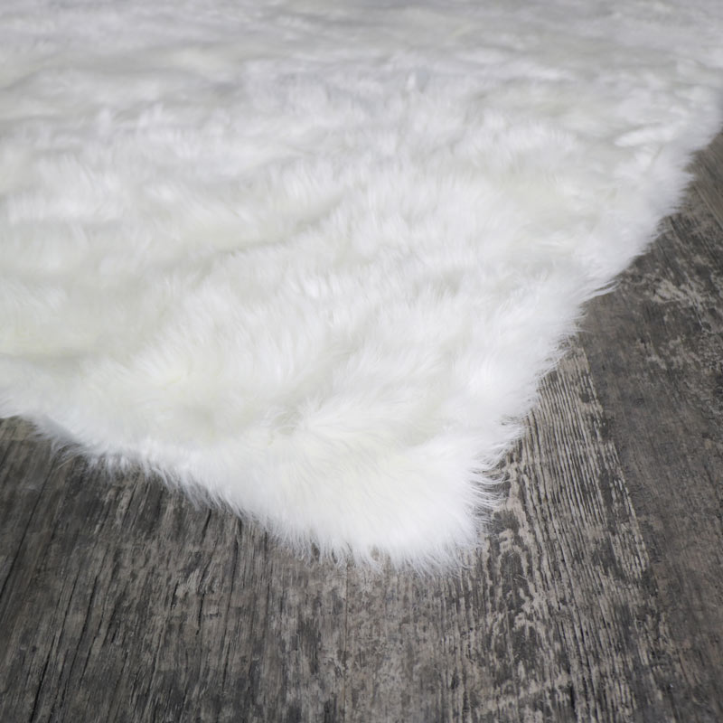 Large White Faux Fur Rug 140cm X 200cm