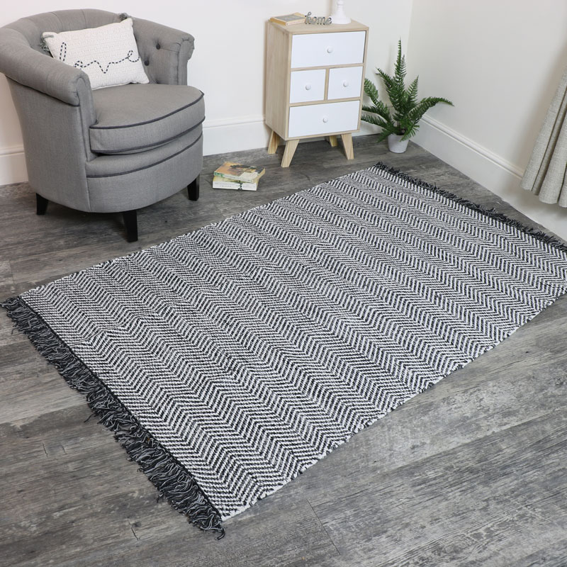 Large Black and White Woven Herringbone Rug 120x180cm