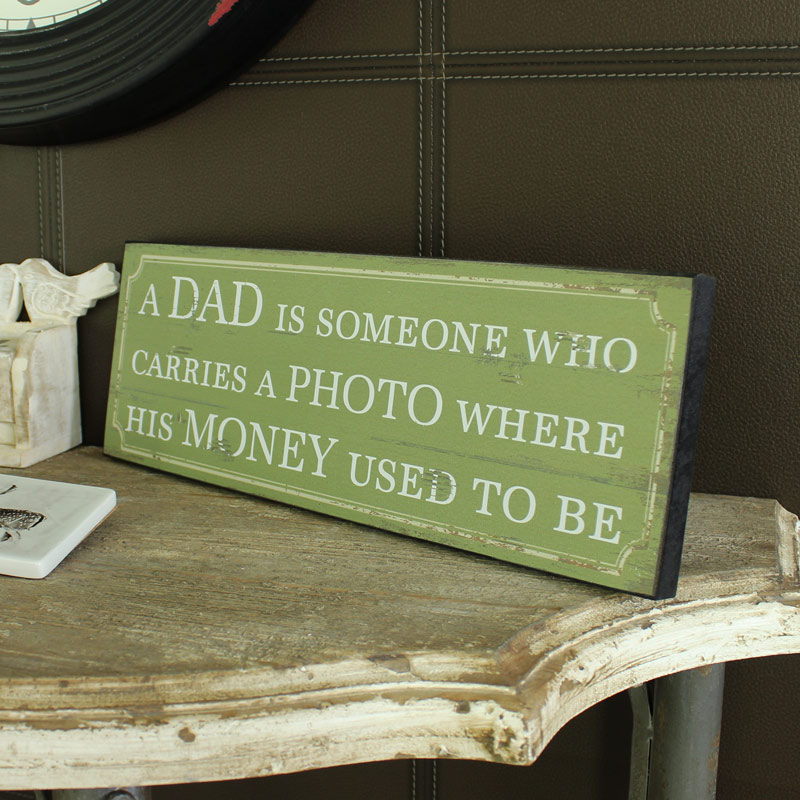Wooden 'Dad' Plaque
