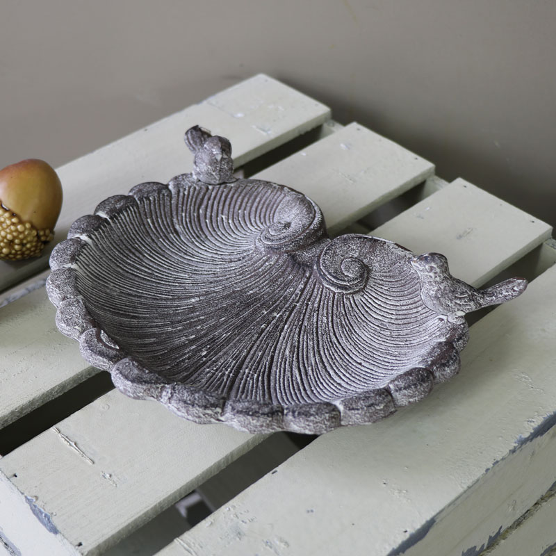 Pretty Shell Shaped Bird Feeder Bowl / Soap Dish