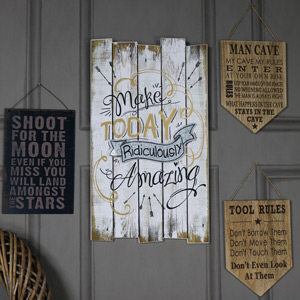 Inspirational 'Make Today Amazing' Wall Plaque